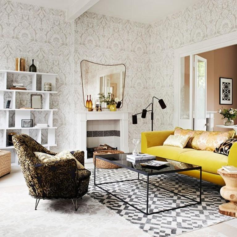 30 Elegant And Chic Living Rooms With Damask Wallpaper Rilane Part 46