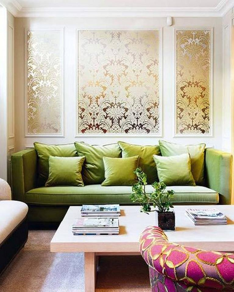30 Elegant and Chic Living Rooms with Damask Wallpaper   Rilane Stylish Chic Living Room with Damask Wallpaper