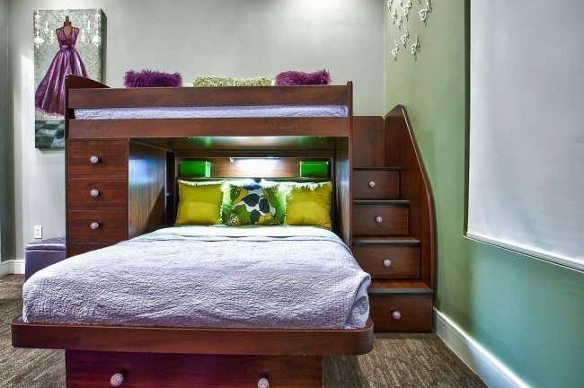 334455-R3L8T8D-650-interior-paint-color-with-wall-decor-and-teenage-bunk-beds-also-under-stair-storage-and-contemporary-bedding-with-carpet-and-drawer-pulls 21 Ide Brilliant Untuk Membuat Kamar Kecil Kamu Menjadi Lebih Menyenangkan