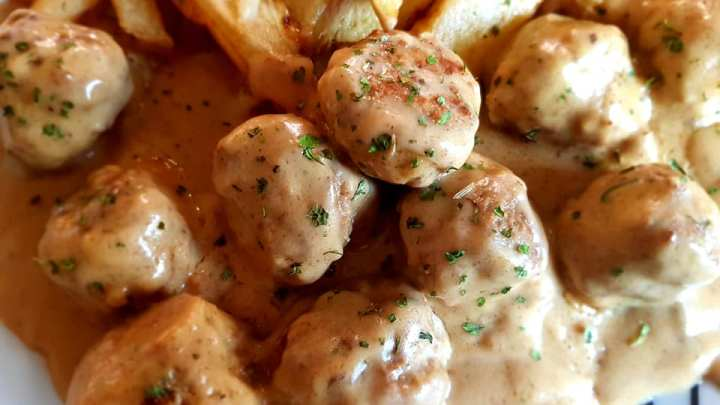 Swedish Meatballs and Gravy