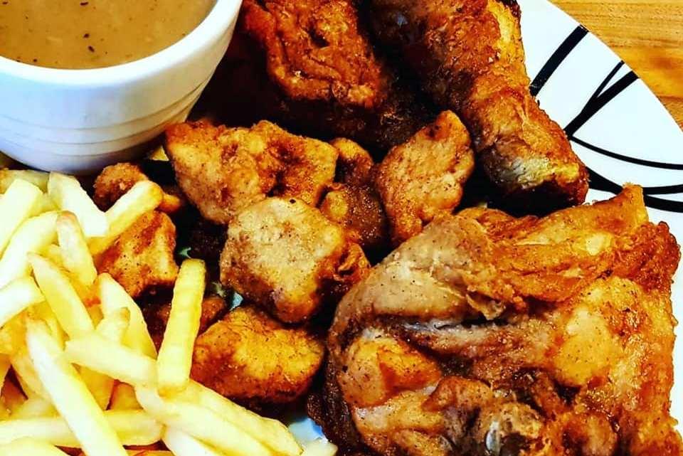 KFC Style Chicken, Chips & Gravy