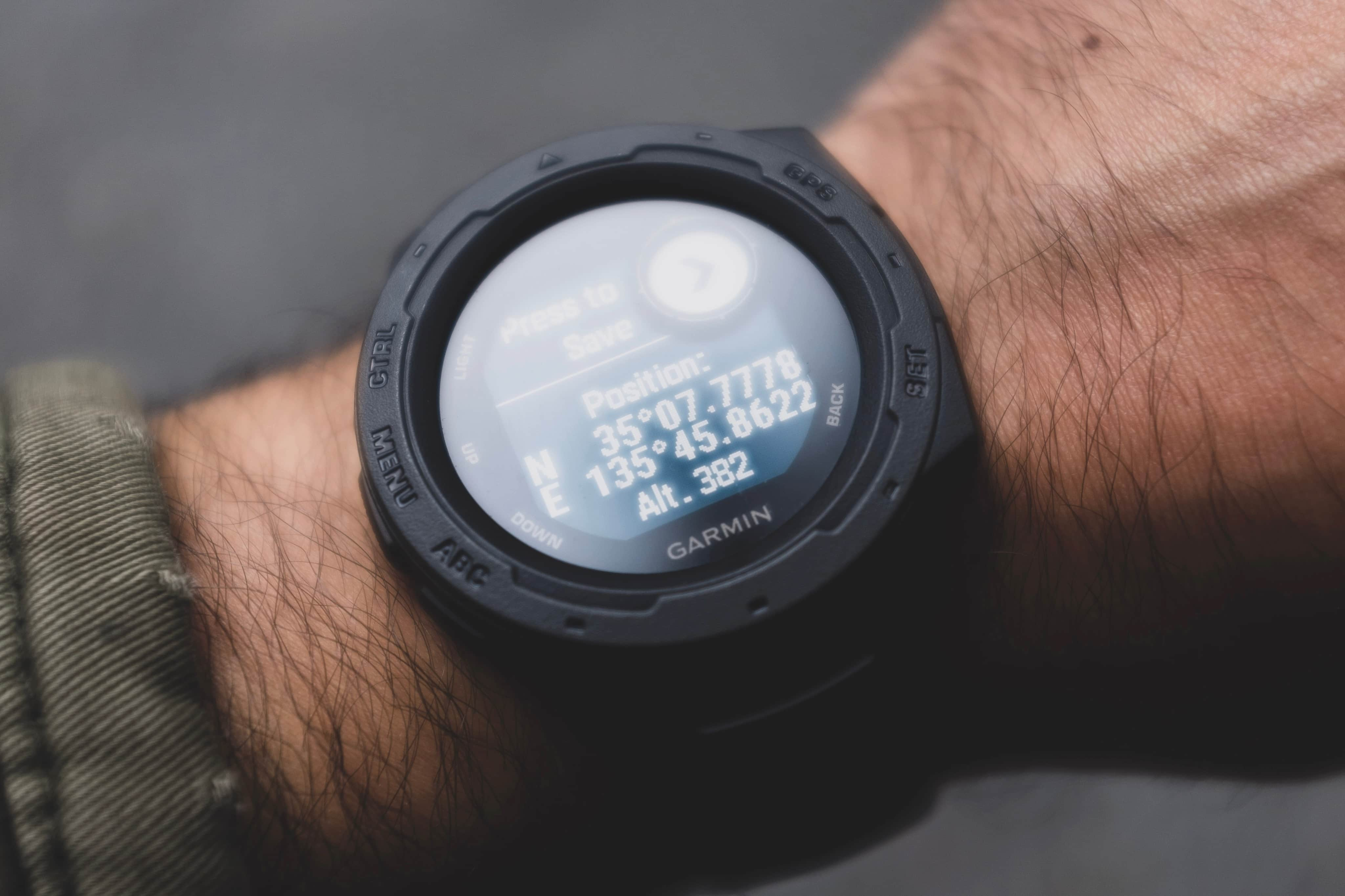 [2020] A Basic Guide to Choosing The Best Smartwatch For Cycling