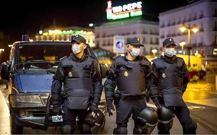 Pseudoabogados de Twitter que castigan a la policía