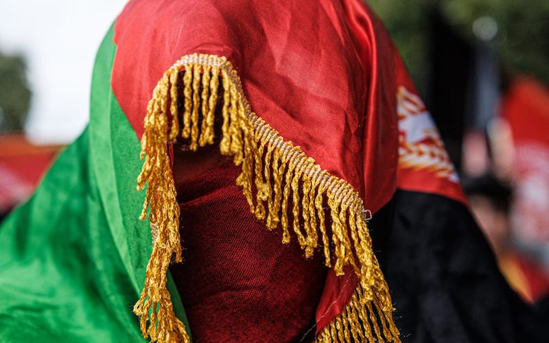 Barbudos afganos
