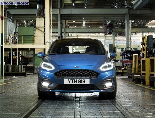 Ford_Fiesta_ST_2017-set-0203-05