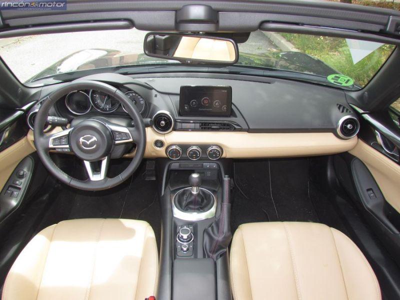 3-05-interior-Mazda-mx5-20-160-2018-prueba