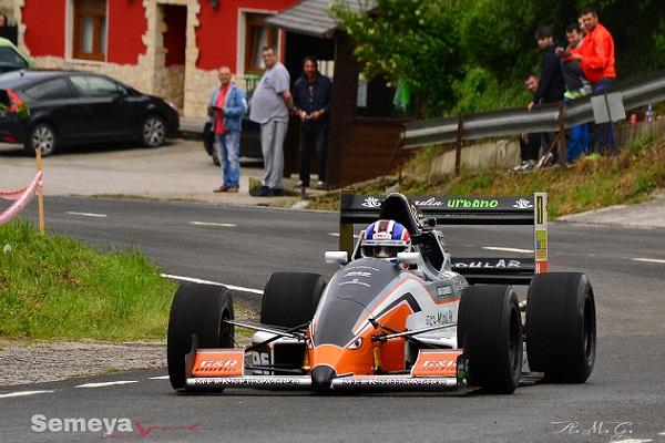 Rafael Guardiola -Reynard RF 10B- Tercer clasificado, y destacado en la provosional en el Campeonato de Asturias de Montaña