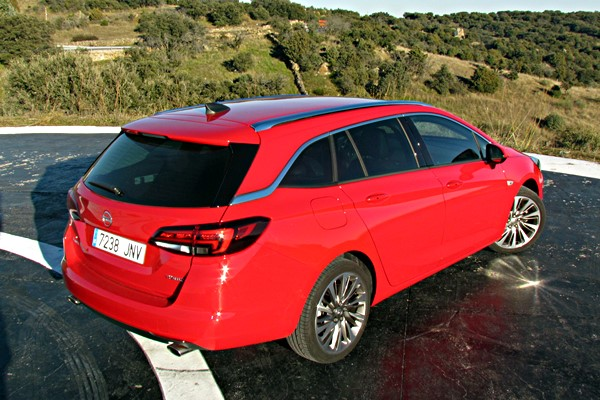 opel astra sports tourer 16 200 excellence 2017