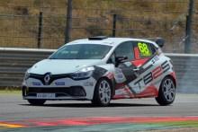 Fin de semana caluroso en la segunda cita de la Clio Cup España
