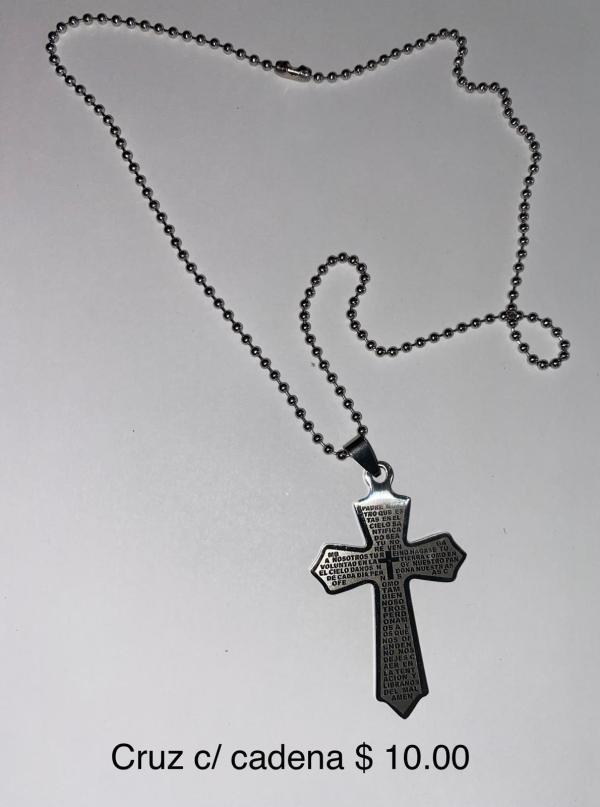 Cruz con cadena
