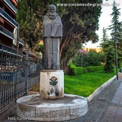 MONUMENTO A FRAY LEOPOLDO DE ALPANDEIRE se ubica en los Jardines del Triunfo