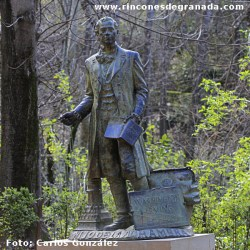 Monumento -- Washington Irving
