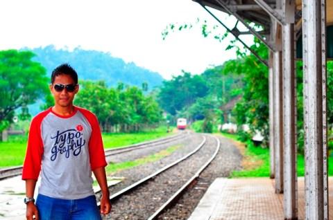 Menunggu di stasiun Toentang