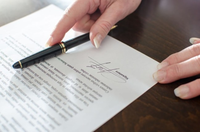 signing-agreement-contract-letter of offer