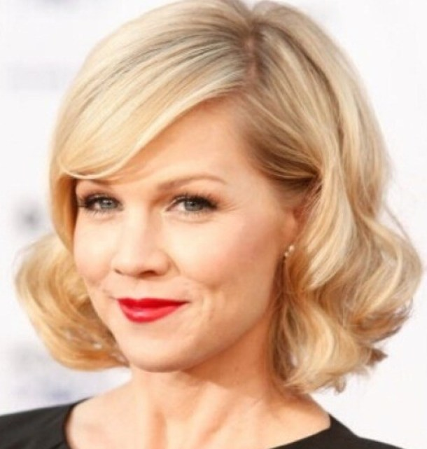 Bob hairstyle for thick and wavy hair