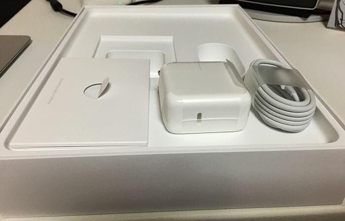 MacBook 開封の儀 4