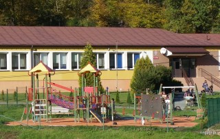 place zabaw gmina Łososina 2012 r.