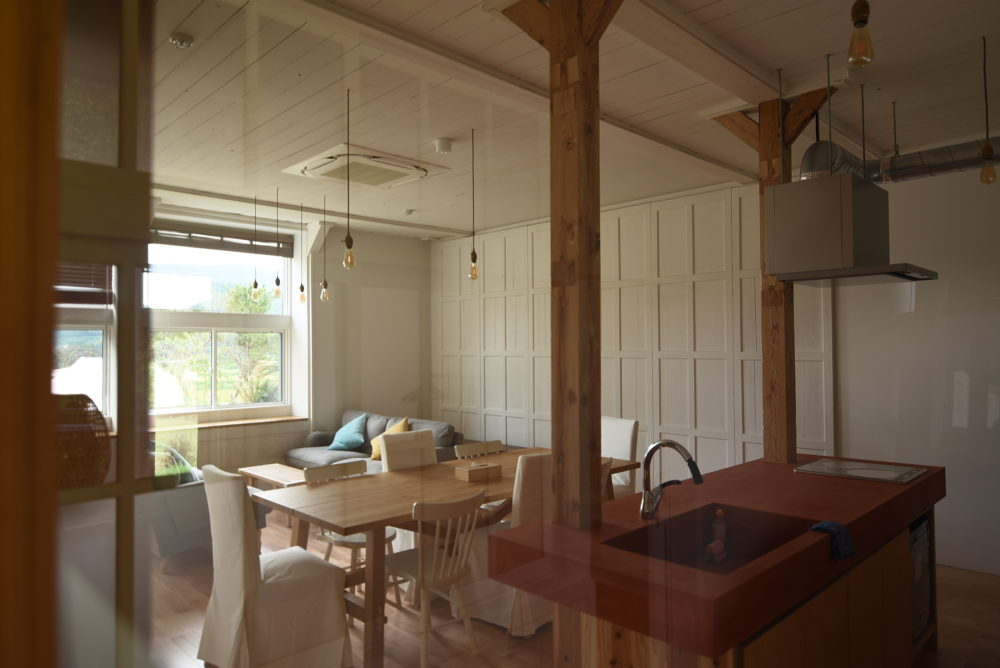 まだ改装中だったが、共用のキッチンも豪華