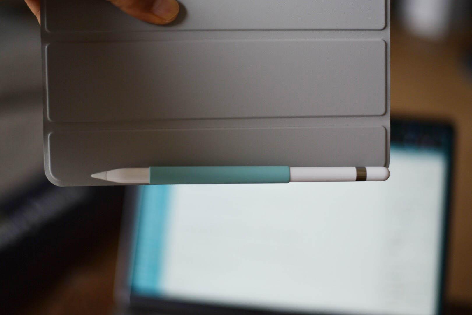Apple pencilグリップは色んなところにくっつく②