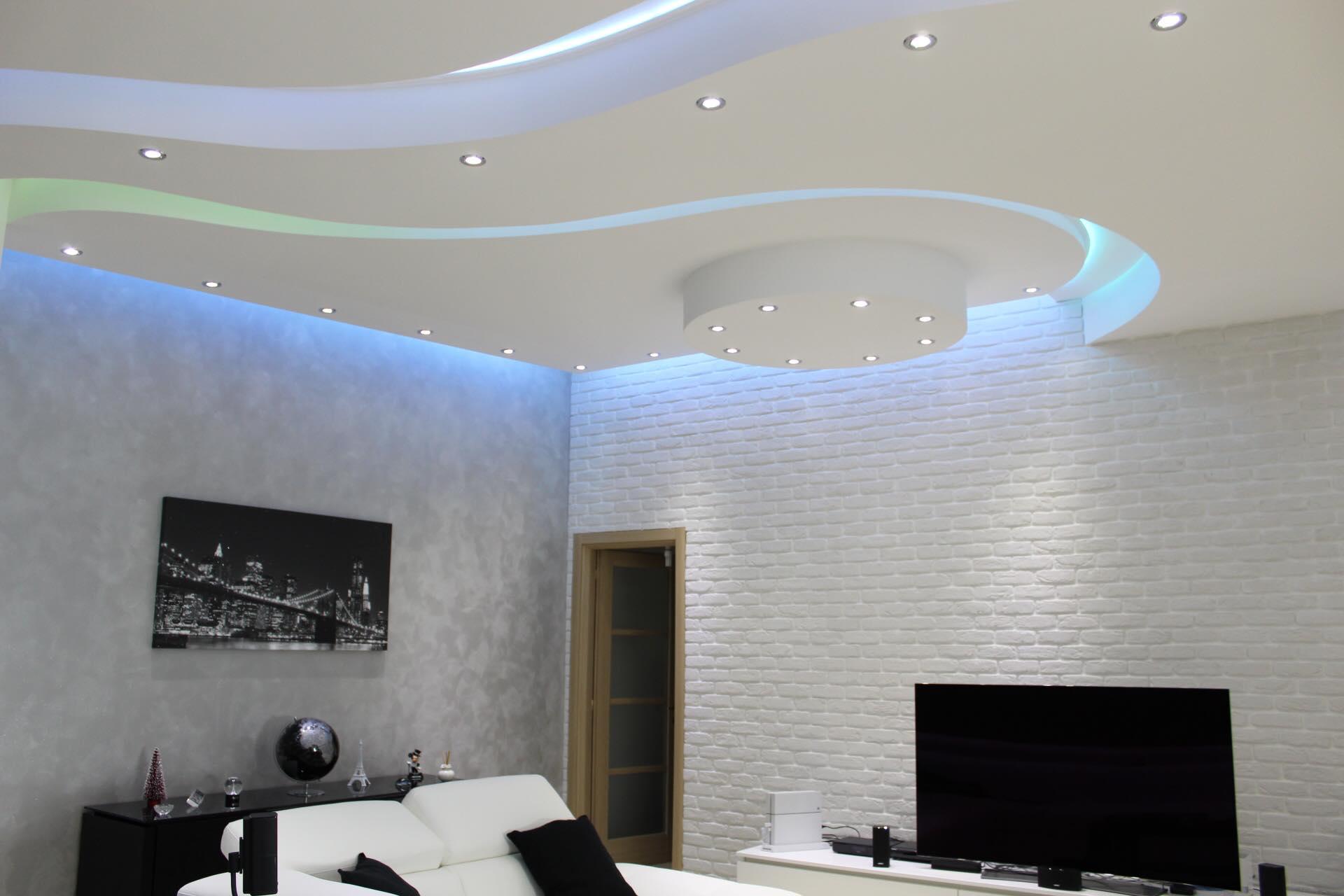 Decorare le pareti per donare all'ambiente un tocco originale può rivelarsi un'idea a dir poco suggestiva, soprattutto se si sceglie di puntare su rivestimenti di design che colpiscono per particolarità ed eleganza. Il Soggiorno Rinnovare Con La Pietra