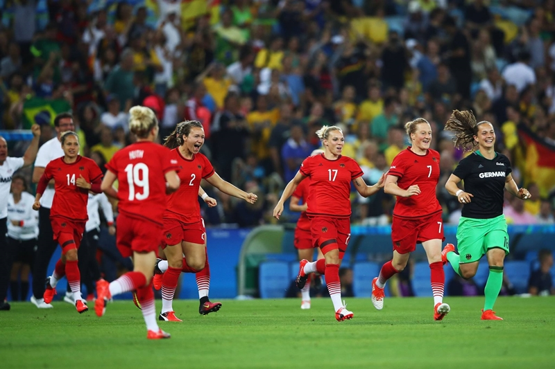 Rio2016_women_football_final_20160820-09