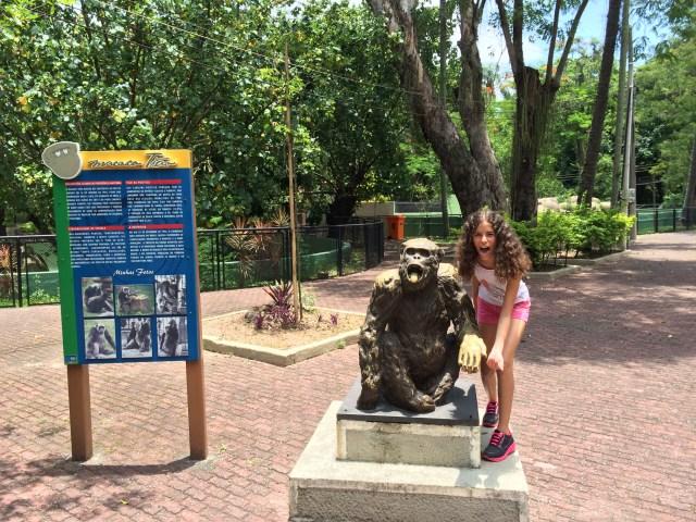 Foto clássica com Macaco Tião. Quem lembra dele?