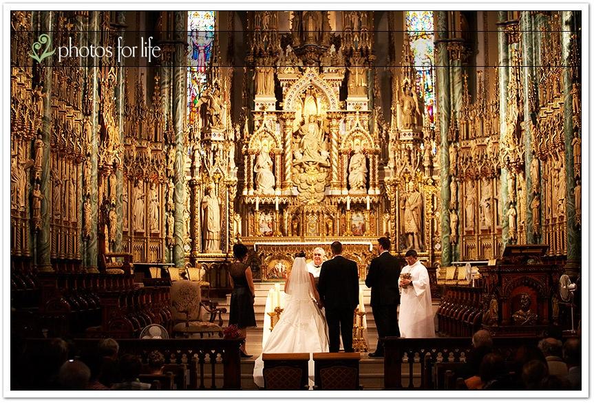 Qual a diferença entre a cerimônia na igreja ou na casa de festas ?