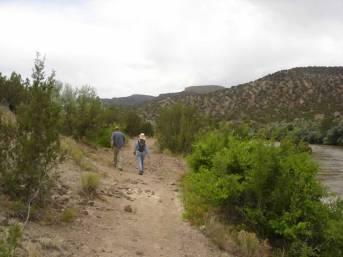 39. This is the historic Chile Line trail that follows the Rio Grande upstream to the boundary of San Ildefonso Pueblo. There is also a trail that runs downstream along the Rio Grande for several miles before heading up to Caja del Rio on the Soda Springs trail.