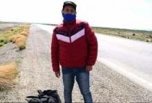 Photo of Perdió su trabajo y comenzó una caminata de 2.700 kilómetros para volver de Santa Cruz a Salta