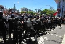 Photo of Incidentes en el multitudinario velorio de Diego Armando Maradona en la Casa Rosada