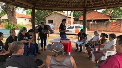 Foto de Grupo saúde em movimento