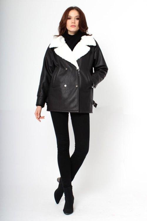 Двубортная куртка из экокожи
