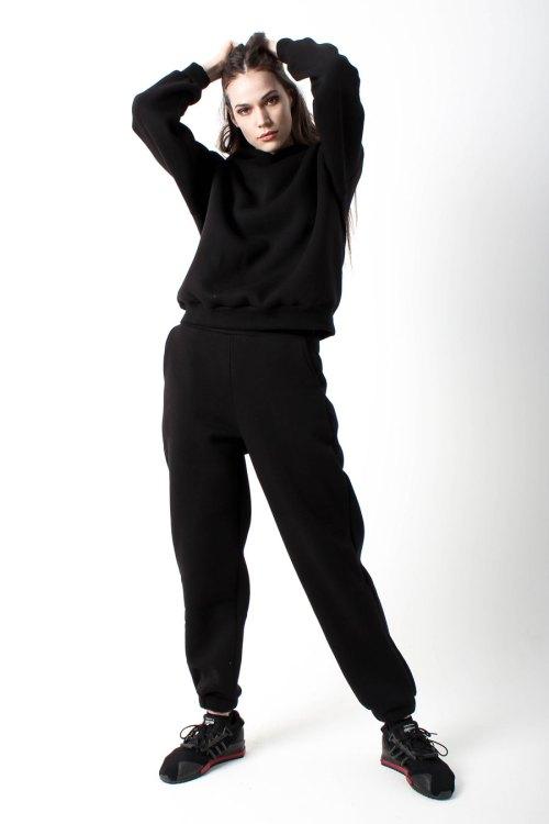 костюм спортивный женский черный