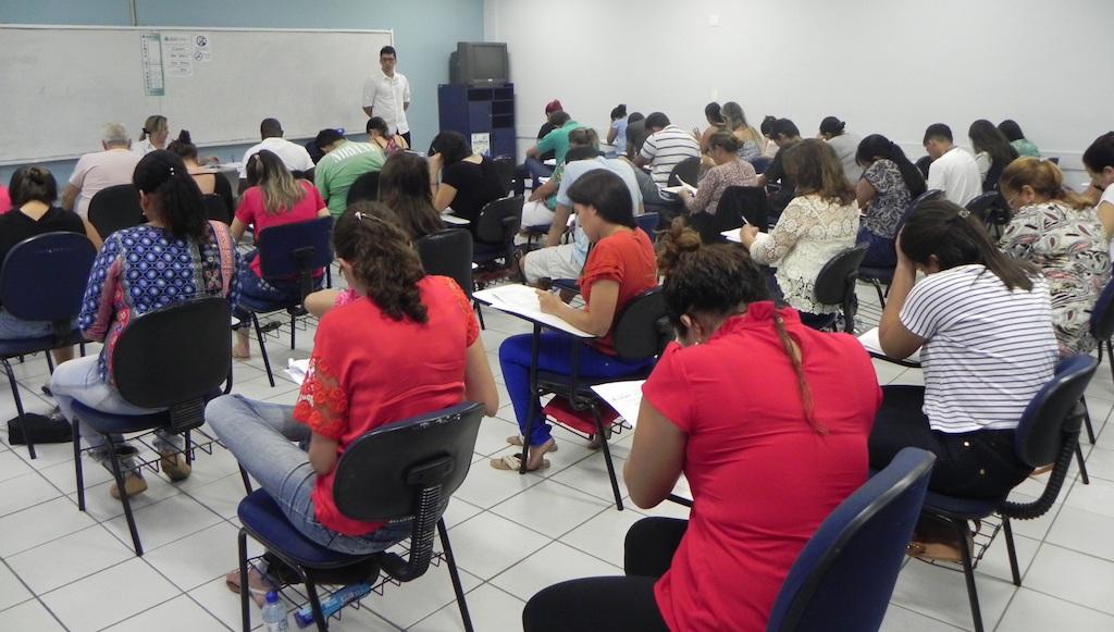 150 concursos abrem para 16 mil vagas com salários até R$9 mil no país