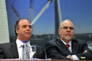 Minister for National Integration Fernando Bezerra with former Cities Minister Mário Negromonte (right), photo by Elza Fiúza/ABr.