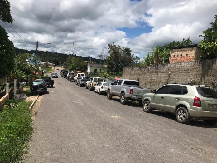Venezuelans are driving to Brazil to tackle long queues to buy gas in Pacaraima