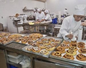 Deposista,Confeiteiro - R$ 1.378,36 - Efetuar o preparo de bolos diversos, ser proativo - Rio de Janeiro