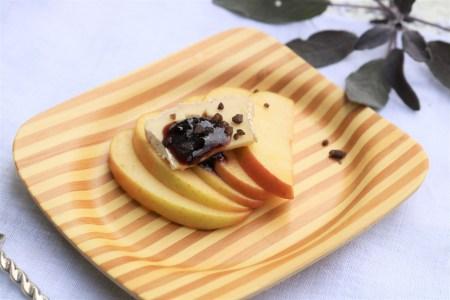 Apples with Gorgonzola, wild grape jam, and alderwood smoked sea salt.
