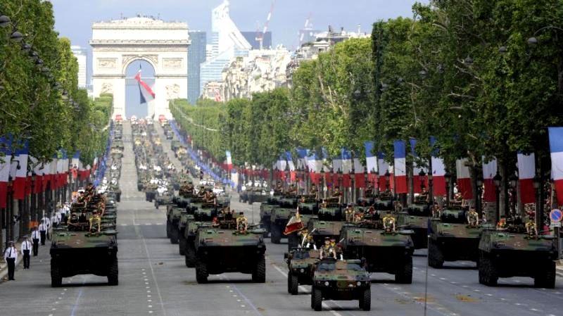 Entre l'Armée et Macron, l'inévitable rupture