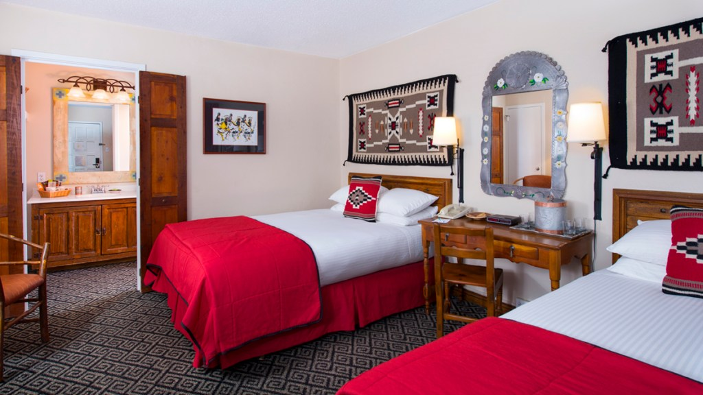 The best place to stay in Santa Fe New Mexico with Kids|Ripped Jeans and Bifocals
