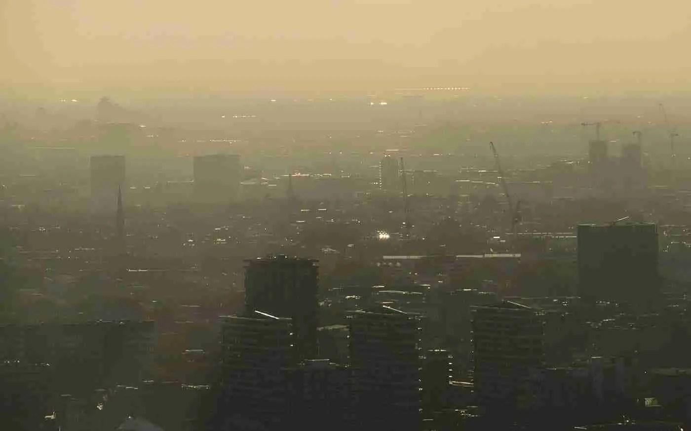 Hazy city scape caused by environmental racism – by Call Me Fred, Unsplash