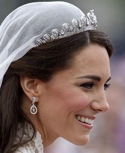 Diamond oak leaf and acorn earrings worn by Kate Middleton by Robinson Pelham Photo: AP