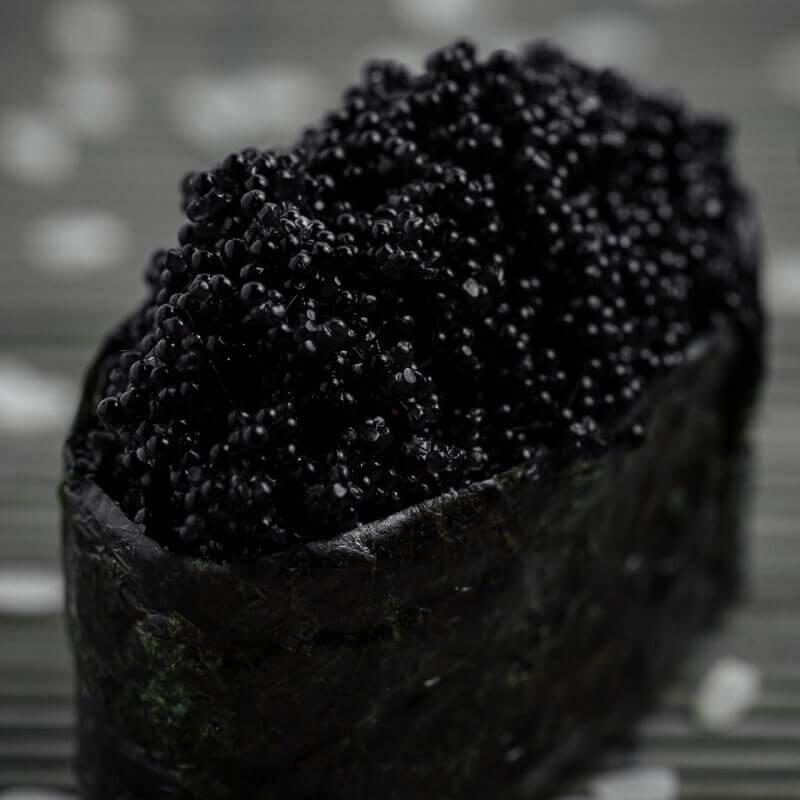 Гункан Черный тобико