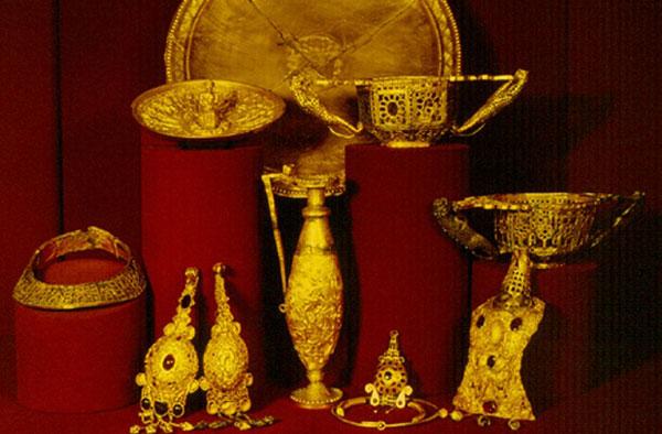 Cloșca cu puii de Aur, Pietroasele - o parte din  tezaurul României de la Moscova