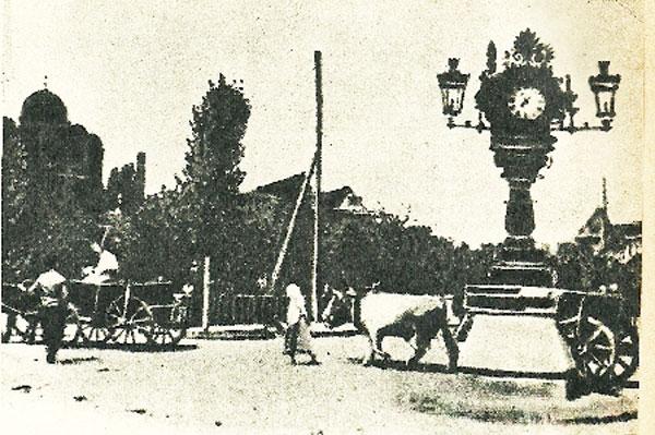S-a introdus la Bucureşti iluminatul public cu felinare cu petrol lampant, capitala Ţării Româneşti fiind primul oraş din lume luminat astfel