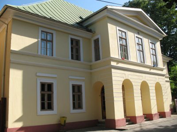"""Teatrul """"Mihai Eminescu"""" din Oravița"""