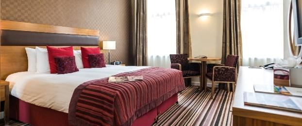http://www.leopoldhotels.com/_asset/Leopold_Hotel_Sheffield_deluxe_king_216091.jpg/Leopold_Hotel_Sheffield_deluxe_king.jpg