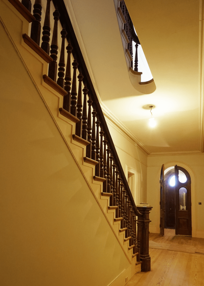 1860s Mansion - Staircase