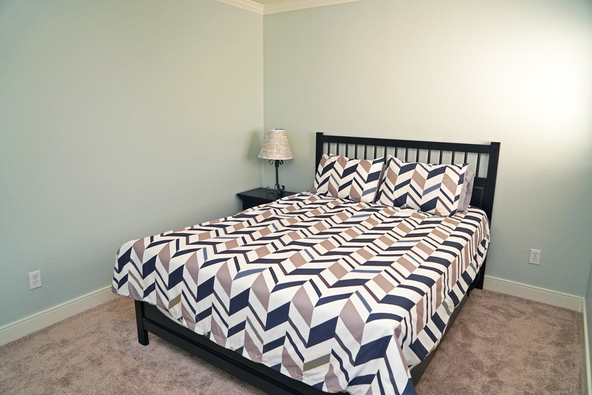 guest room makeover-after01
