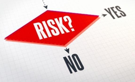 global_professional-career-risk-management-iStk